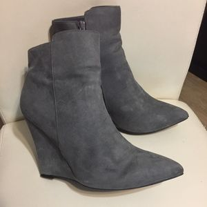 Shoes - 💰💰Suede Pointy Toe Bootie
